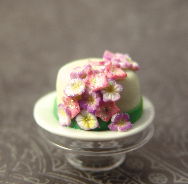 Dollhouse Miniature Cake with Flowers
